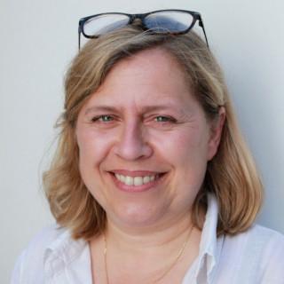 Evelyne Hoste